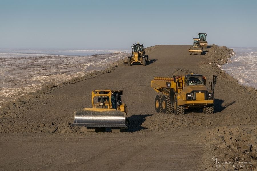 Building the Inuvik-Tuktoyaktuk Highway