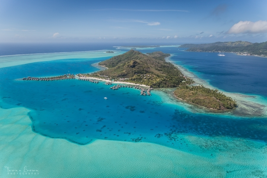50 shades of turquoise in Bora Bora, French Polynesia