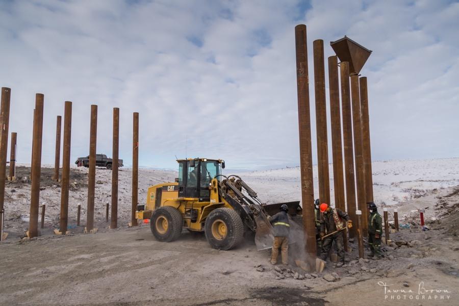 Building a Bridge on the Inuvik-Tuktoyaktuk Highway