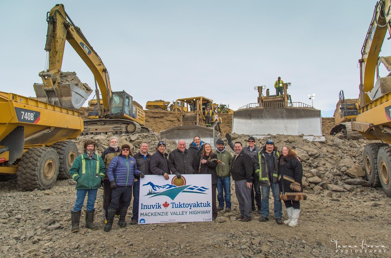 Government leaders and EGT-Northwind Team,  Inuvik-Tuktoyaktuk Highway