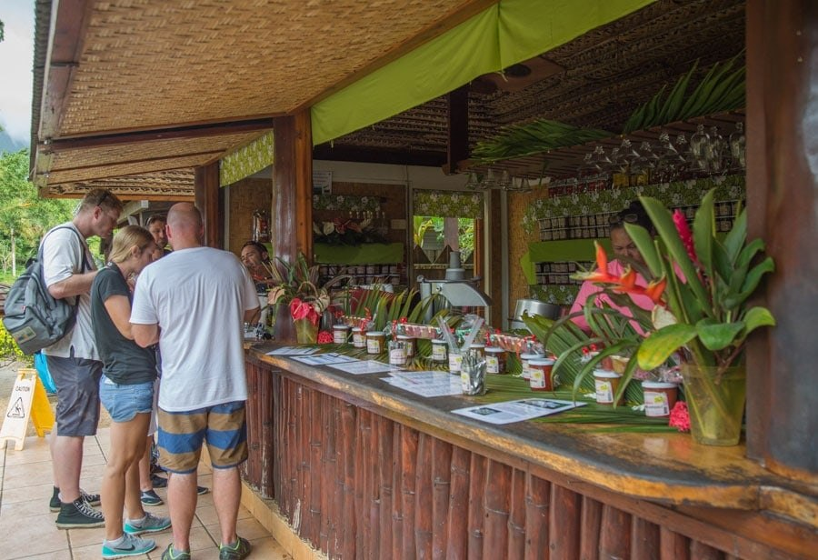 Shopping in Moorea