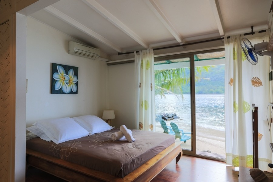 Master bedroom at Villa Cook in Moorea